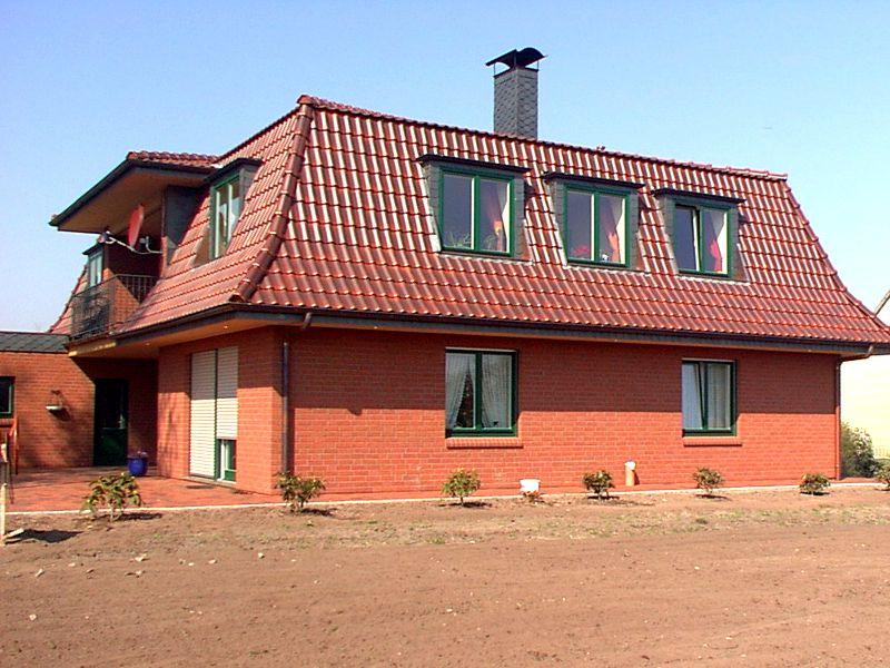 mansarddach diese dachform verleiht dem gartenhaus nicht. Black Bedroom Furniture Sets. Home Design Ideas